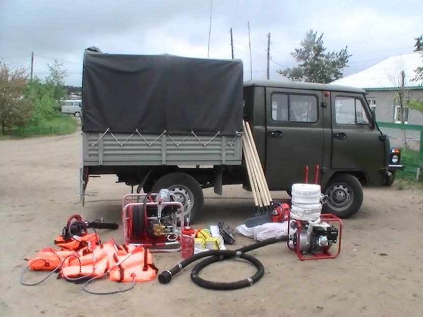 Лесопожарный комплекс на базе автомобиля УАЗ, подаренный Даурскому заповеднику Степным проектом ПРООН/ГЭФ