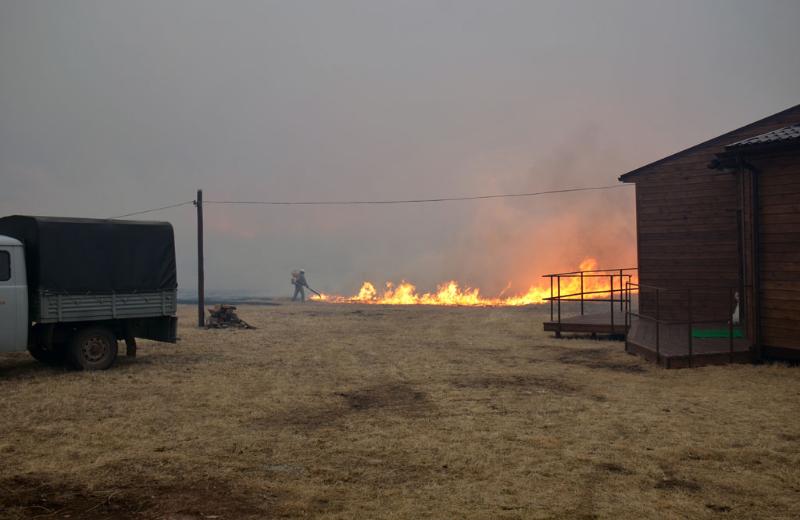 Степной пожар на участке «Подзаплоты»