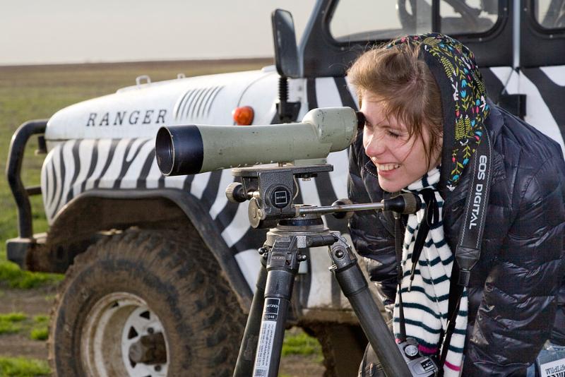 В рамках фестивальных мероприятий специалистами организованы орнитологические экскурсии по долине оз. Маныч, путешествия в пустыни Прикаспия, посещение Центра сохранения редких животных, в сопровождении полевых биологов, а также разнообразные фототуры и мастер-классы известных отечественных мастеров природной фотографии.